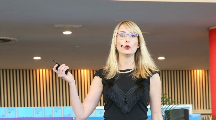 travel i ndaba keynote speaker, blockchain effect